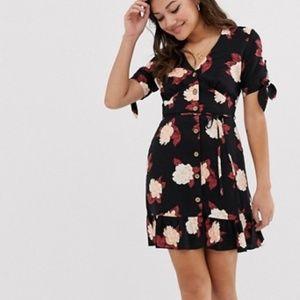 Summer flowery dress (never worn)